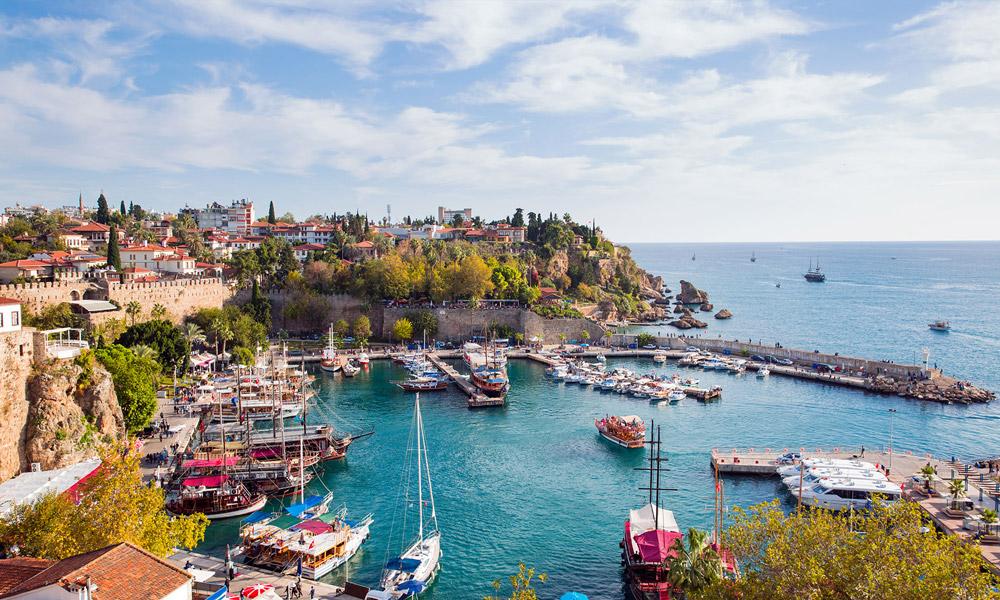 نمایی از شهر آنتالیا در کشور ترکیه